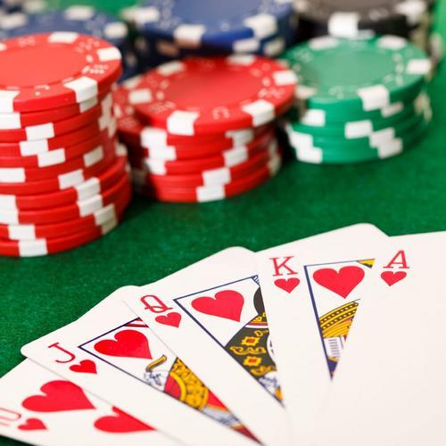 موقعیت افراد بازیکن در میز پوکر به چه صورت است؟
