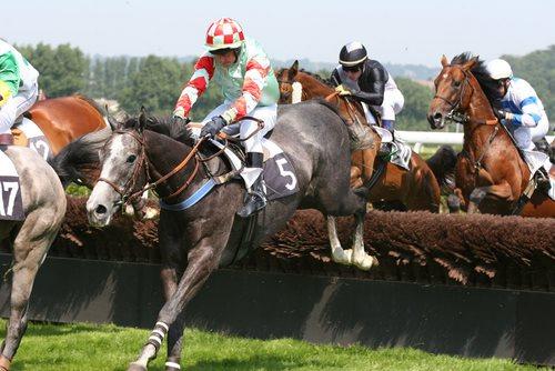 اسب دوانی در یونان و رم باستان